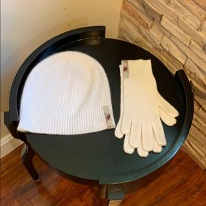 Hat and gloves cashmere Burberry